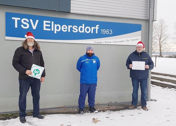 v.l.: BAP-Stadtrat Hannes Hüttinger, TSV-Jugendleiter Christoph Klemenz und BAP-Vorstandsmitglied Ralph Kappestein